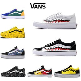 Chinese  Original Vans Old Skool Men women Casual shoes Rock Flame Yacht Club Sharktooth Peanuts Skateboard mens Canvas Sports Running Shoes Sneaker manufacturers