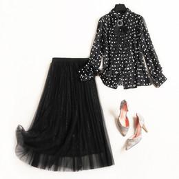 3662edb1d18 Женский черный сетка юбка костюм длинная юбка + топы в горошек рубашки  бисером лук новый 2019 весна лето