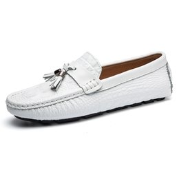 8d930e22466 wholesale Spring Autumn New Men Shoes Soft Sole Men Flats Real Leather Shoes  Fashion Comfortable Lazy Single Driving 2018 British