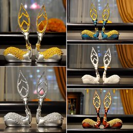 $enCountryForm.capitalKeyWord Australia - Luxury European Resin Deer Model Home Furnishing Decoration Crafts Creative Livingroom Figurines Fashion Ornaments Wedding Gift J190713