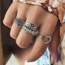 $enCountryForm.capitalKeyWord Australia - Vintage Love Flower Crown Diamond 6Pcs Set Joint Ring Engagement Ring Side Hand Jewelry Fashion Wholesalers Cheap Ring Mount Oval Settings