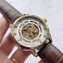 Marca de Moda luxury8 Homens ou Mulheres Relógio Mecânico de Quartzo Relógios mens womens Casais de Couro ou Aço banda relógios relógios Atacado