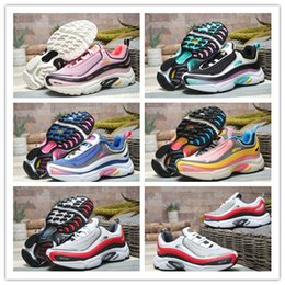 Good Running Lights NZ - 2019 New Arrive Best Fashion Light Weight Breathable Mesh Casual Sports Running Shoes Women Good Quality Sports Jogging Sneakers Size 36-39