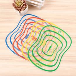 Tabla de cortar de plástico anti-deslizante esmerilado tabla de picar carne de la carne de corte de verduras Herramientas Accesorios de cocina Tablas de cortar DBC BH2817 en venta