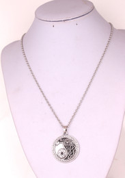 Raven Necklaces Australia - H1 Lucky Raven Symbol Necklace North American Amulet Belief leather rope Weaving chain snake chain wheat link chain necklace