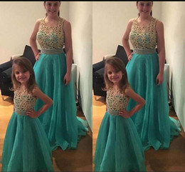 $enCountryForm.capitalKeyWord UK - Fashion Mother And Daughter Prom Dresses 2019 Scoop Neck Sleeveless Beaded Top Tulle Sweep Train Evening Gowns Custom Made
