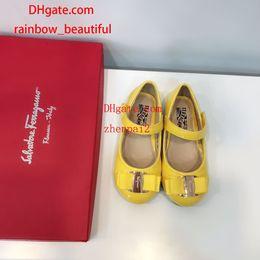 $enCountryForm.capitalKeyWord Australia - brand kids Shoes fashion flower diamond decoration Sandals beach shoes Girl Non-slip dancing shoes Kids Sandals F-2