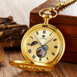 0bb716d0b27b Color dorado Reloj de bolsillo mecánico Reloj Fob Relojes con cadena Hombre  Mujer viento manual Luna Números romanos Reloj hueco sin batería