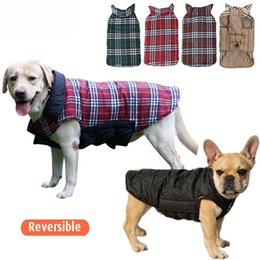 $enCountryForm.capitalKeyWord UK - Reversible Plaid Dog Vest Jacket Clothes Waterproof Windproof British Style Winter Coat Warm Dog Apparel With Collar Xmas Gift XD21094