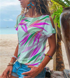 short sleeves loose strapless tops 2021 - Women T-shirt Summer Fashion Strapless Sexy Short Sleeve Tees Tops Designer New Female Loose Casual T-shirts Striped Leaves Printing