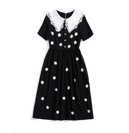 Black Lace Applique Dress UK - 2019 Spring Summer Short Sleeve Peter Pan Collar Contrast Color Embroidery Lace Applique Mid-Calf Length Dress Luxury Runway Dresses A061806