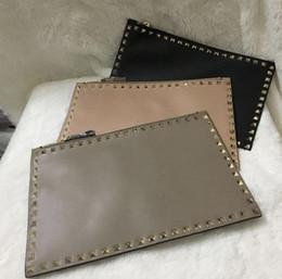 $enCountryForm.capitalKeyWord Australia - Designer Inspired Golden rivet Bags Rivet Rockstyd Clutch Party evening Bags Envelope Bags Grey Pink Black Color s378