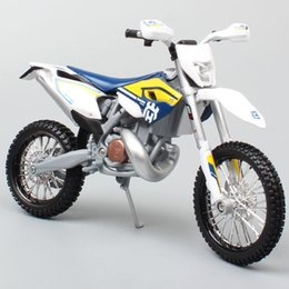 diecast motorcycles Australia - maisto 1 12 2015 KTM Motorcycle scale HUSABERG FE 501 Husqvarna FE501 Dirt Bike Motocross Diecast & vehicles metal car model