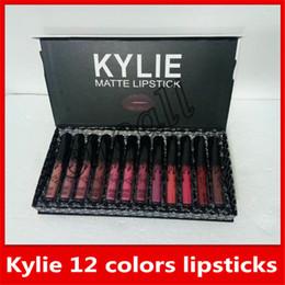 2018 Nuevo maquillaje Kylie Matte Lipstick Set de 12 colores / juego Lápiz labial líquido Brillo de labios de alta calidad ..