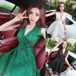 59ed60631 Verano 2019 Nuevas Mujeres Coreanas Sexy Profundo V Cuello bajo Cintura  alta Vestido de encaje delgado Desgaste del club nocturno Falda corta QC0218