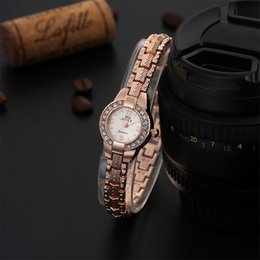 Cheap rhinestone watCh online shopping - Cheap feminino Hot Luxury Rose Gold Fashion Bracelet Watch Women Elegant Rhinestone Quartz Watch Ladies Watches relogio feminino TME0026