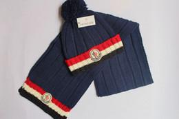 Venta al por mayor de 2019 Marca bufanda Traje Traje Primavera Invierno Diseñador Sombreros calientes Bufandas Conjuntos Gorros Conjuntos para hombres Mujeres