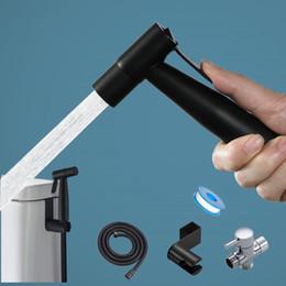 Nero igienici Kit spruzzatore bidet. Tenere insieme a mano in acciaio inox Shattaf Per bagno personale Cleanse Bidet rubinetto in Offerta