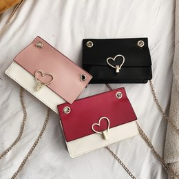 $enCountryForm.capitalKeyWord Australia - Heart-shaped Lock Buckle Messenger Bag Patchwork Color Simple Fashion Small Flap Bag Small Shoulder Handbags For Women A1