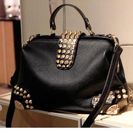Doctor Hand Bags Australia - Lucky2019 Hand Rivet Trend Bill Of Lading Shoulder Span Woman Bag