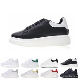 $enCountryForm.capitalKeyWord NZ - Top sale Designer shoes women men leather sneakers 3M reflective black white velvet Thick-soled flat Height Increasing casual shoe