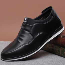 $enCountryForm.capitalKeyWord Australia - size328 Hot explosion models men low to help casual shoes trend wild shoes original packaging hair box delivery Men Shoes Casual PU Leather