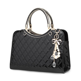 $enCountryForm.capitalKeyWord NZ - 2019 Women Handbags Fashion Big Stereotypes Red Bride Shoulder Sling Bag Female Hand Bags Quilted Patent Leather Bag for Ladies