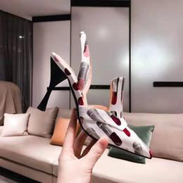 $enCountryForm.capitalKeyWord Australia - Designer luxury brand patent leather pointed high heels new fashion lipstick printed female leather party women casual dress shoes 35-40 siz