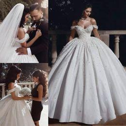 2021 Vestido de Novia Nova Bola Árabe Vestidos De Noiva Deslocados Do Ombro Comprimento Do Assoalho Flores Beads Igreja Garden Vestidos Bridal Plus Size em Promoção