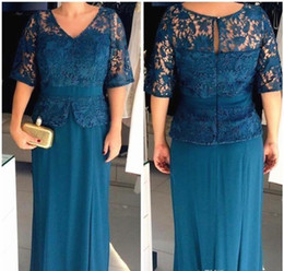 peplum mother bride dresses NZ - 2019 Plus Size Mother of the Bride Dresses V Neck Half Sleeves Lace Top With Peplum Sheath Evening Gowns Cheap Prom Dress Mother Wear