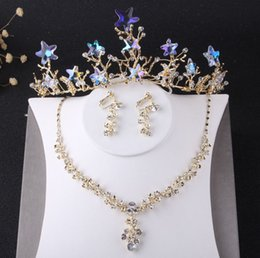 crystal necklace tiara earrings Canada - Charming Gold Crystals Bridal Jewelry Sets 3 Pieces Suits Necklace Earrings Tiaras Crowns Bridal Accessories Wedding Jewelry Sets T308801