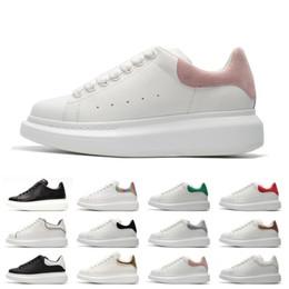$enCountryForm.capitalKeyWord NZ - 2019 Designer Black white Queens Brand Fashion Luxury leather casual shoes for girl women men black gold red grey flat sneaker