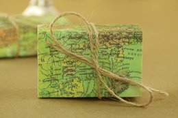 $enCountryForm.capitalKeyWord Australia - Novelty World Map Gift Box for Christmas Decorations Kraft Paper Candy Boxes for Guests Wedding Favors Gift Packaging Bag