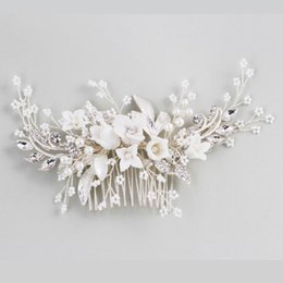 $enCountryForm.capitalKeyWord Australia - Dower Me Stunning Floral Headpiece Bridal Silver Hair Comb Piece Pearls Women Prom Hair Jewelry Wedding Accessories Y19051302