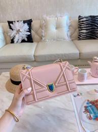 $enCountryForm.capitalKeyWord NZ - 2019 new hot fashion designer mini square bag white blue pink noble buckle leather bag Valentine party gift metal chain shoulder bag