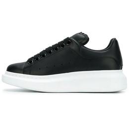 Discount girl platforms shoes falls - New Women Mqueen Girl Oversized Men queens MC Sneakers Leather Platform Low Cut Fashion sneakers Womens Designer sho Cas