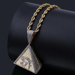 4570d23415b2 Nueva Moda 18 K Oro Blanco Plateado Para Hombre Hip Hop Pirámide Horus Ojos  Collar Colgante Cadena Twist Helado Cubic Zirconia Joyería Regalos