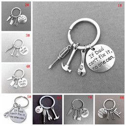 $enCountryForm.capitalKeyWord NZ - Metal Small Tools Key Chain Letter Print Car Keychain Personalize Gadget Keyring Small Key Chain Ring Birthday Father's Day Gift DBC VT1741