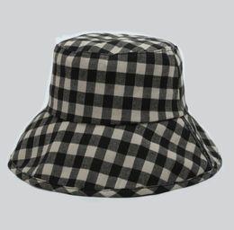 Folding Art Table UK - Japanese Artistic Plaid Fisherman Women Summer Retro Basin Hat Japanese Big Eaves Hat Travel Folding Sun Hat