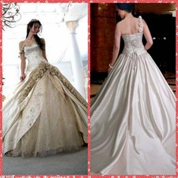 Discount 3d embroidery flower One Shoulder 3D Flowers Adorned Wedding Dresses With Embroidery Vintage Bridal Gowns Lace Up Back Formal Long Plus Size