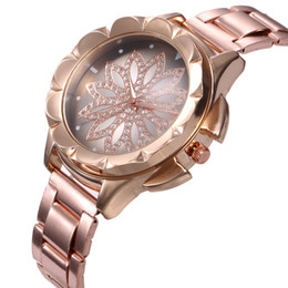 Rotary Battery Australia - Fashion Casual Gold Slilver Rotary Flower strike lucky 32mm Women Lady Watches Quartz Analog Wrist Watches stainless steel band Design
