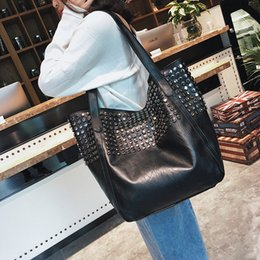 $enCountryForm.capitalKeyWord Australia - Women Leather Shoulder Bag Rivet Casual Tote Bag Handbag Fashion Women's Vintage Handbag Brief Shoulder Big Bags Black Wholesale Y19061803