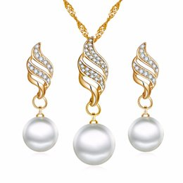 Wholesale Gold Color Big Simulated Pearl Wedding Party Jewelry Sets New Crystal Pearl Wedding Bridal Necklace Earrings Jewelry sets
