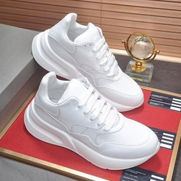 $enCountryForm.capitalKeyWord Australia - Low Top Oversized Runner Men's Shoes Top Quality Drop Ship Sport Comfortable Running Footwears Luxury Lace-up Cool Street Fashion Shoes