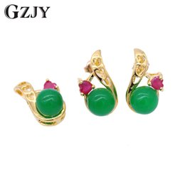 $enCountryForm.capitalKeyWord Australia - GZJY Fashion Pure Gold Color Heart Red Zircon Green Stone Charms Pendant Necklace Earrings Sets For Women Party indian Jewelry