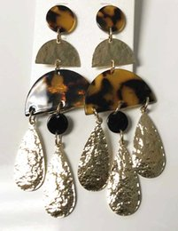 $enCountryForm.capitalKeyWord Australia - Geometric Gold Alloy Brown Tortoise Stud Earring
