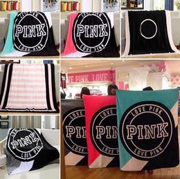 Ingrosso 130 * 150cm Love Pink Letter Blanket Soft Coral Velvet Beach Asciugamani Coperte Aria condizionata Tappeti Coperte confortevoli moquette