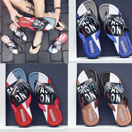 $enCountryForm.capitalKeyWord Australia - best quality Leisure Rubber Slide designers Sandal Slippers blue Red black Stripe Design Men Classic men Summer Outdoor beach Flip Flops