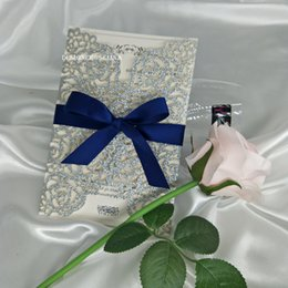 Wholesale 2019 Navy Blue Ribbon Silver Glitter Laser Cut Wedding Invitations Rose Sweet Sweet Birthday Quince Party Invites
