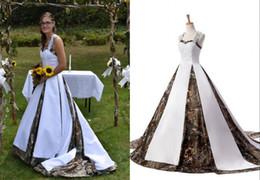 $enCountryForm.capitalKeyWord Australia - Fashion Camo Halter Wedding Dresses Cheap Designer Applique Lace Seuqins Princess Corset Camouflage Country Wedding Dress Bridal Gowns New